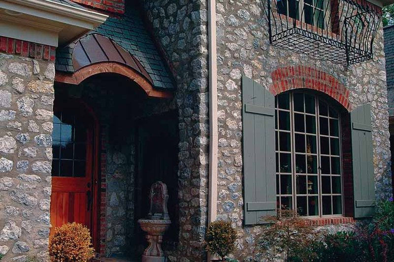 House Plan Design - European Exterior - Front Elevation Plan #453-404
