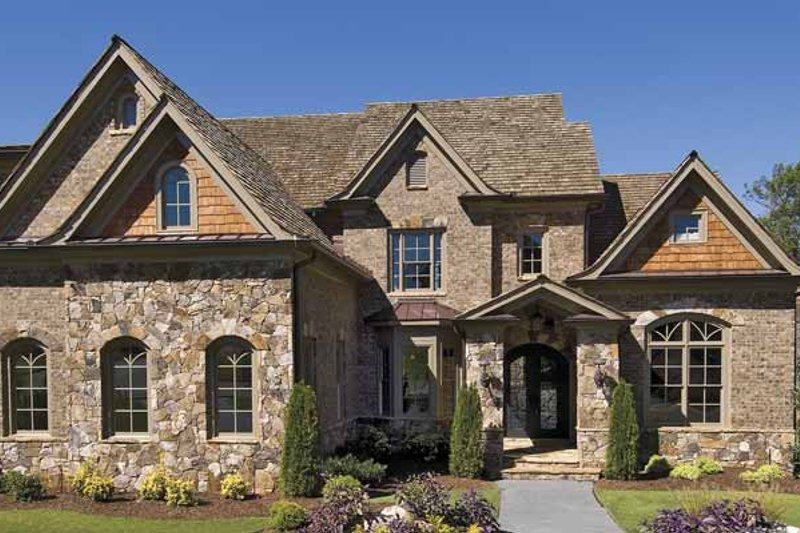 House Plan Design - Traditional Exterior - Front Elevation Plan #54-300