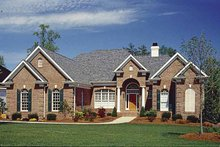 Traditional Exterior - Front Elevation Plan #453-568