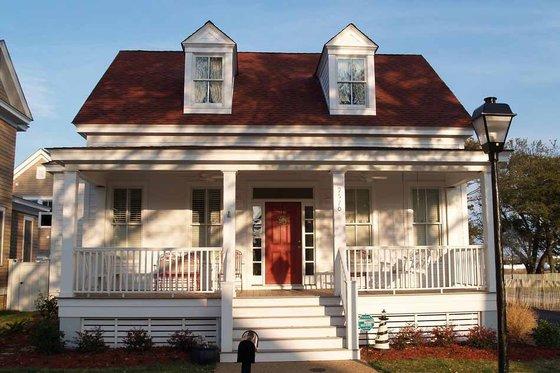 Cottage Exterior - Front Elevation Plan #464-13