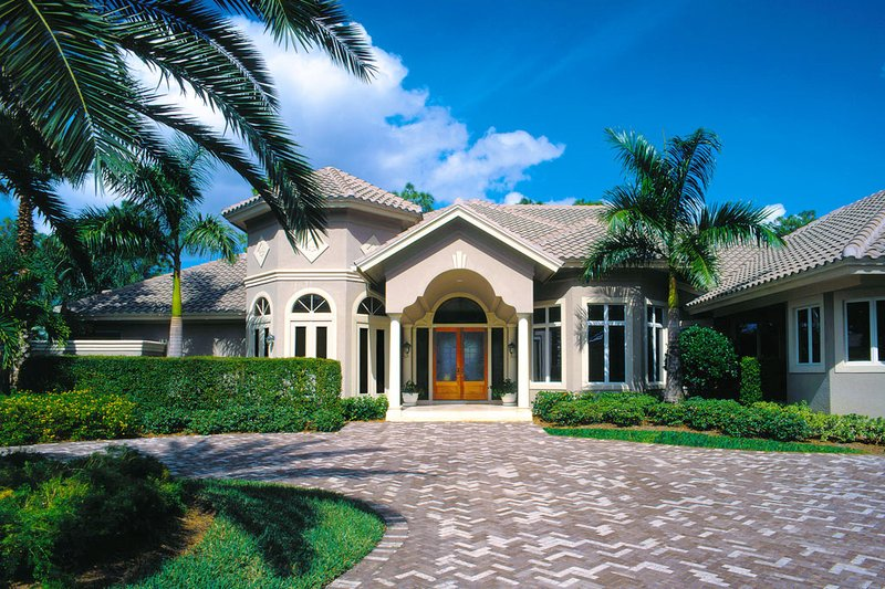 Mediterranean Style House Plan - 3 Beds 3.5 Baths 3891 Sq/Ft Plan #930-100 Exterior - Front Elevation
