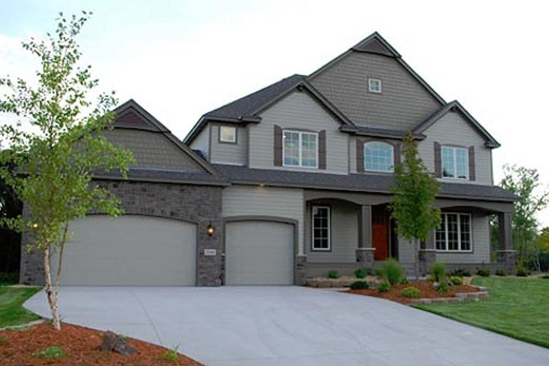 Dream House Plan - Traditional Exterior - Front Elevation Plan #320-500