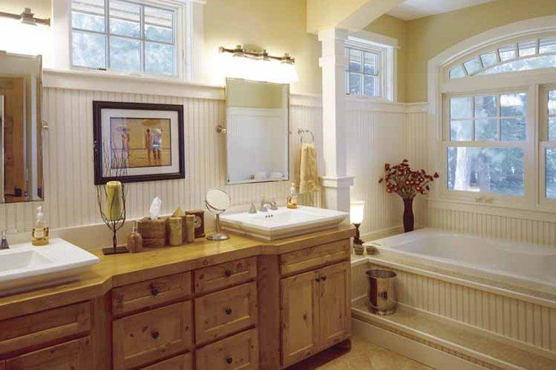 Country Interior - Master Bathroom Plan #320-993 - Houseplans.com