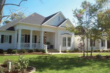 Dream House Plan - Country Exterior - Front Elevation Plan #429-351