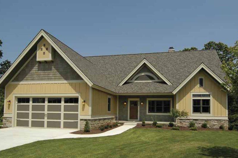 Craftsman Style House Plan - 3 Beds 2.5 Baths 2976 Sq/Ft Plan #928-88 Exterior - Front Elevation