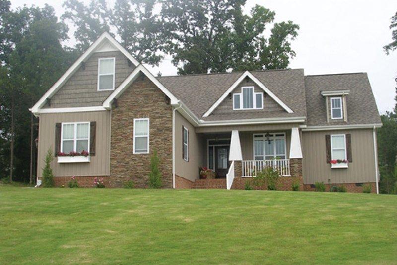 House Plan Design - Craftsman Exterior - Front Elevation Plan #927-929