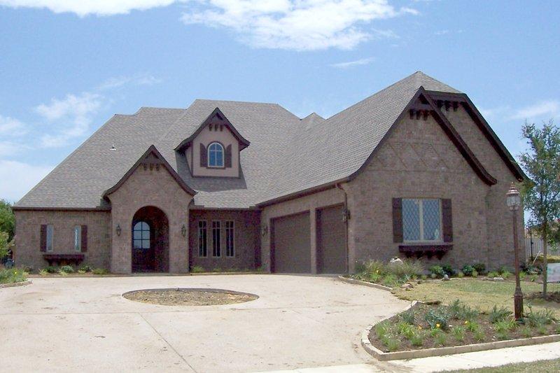 Dream House Plan - European Exterior - Front Elevation Plan #84-508
