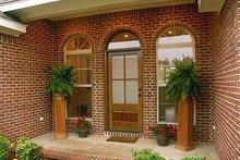 Dream House Plan - Traditional Photo Plan #21-251