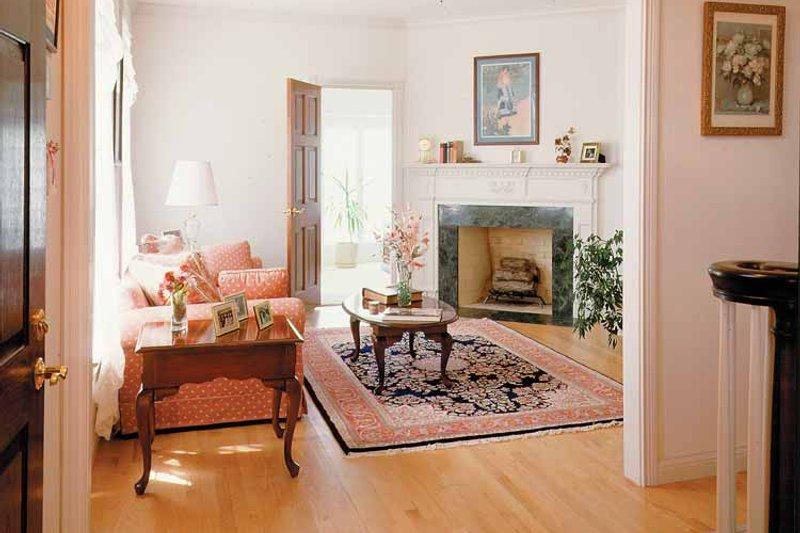 Classical Interior - Family Room Plan #72-684 - Houseplans.com