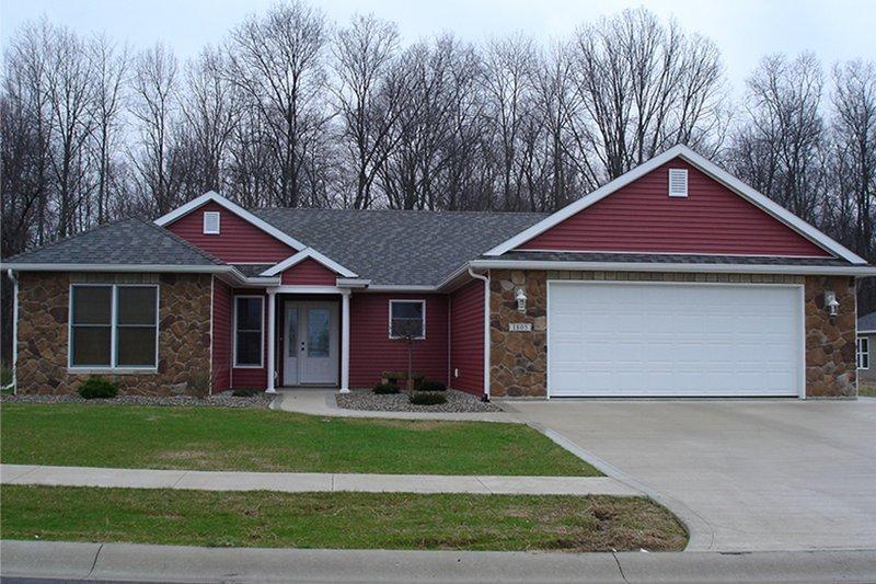 House Plan Design - Ranch Exterior - Front Elevation Plan #1064-6