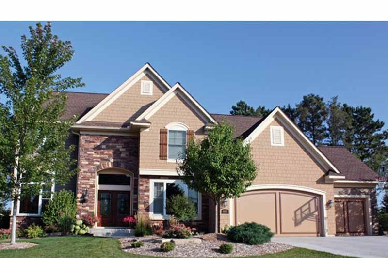 Traditional Exterior - Front Elevation Plan #51-1083 - Houseplans.com
