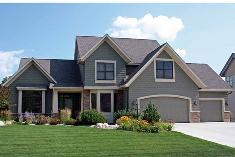 Traditional Exterior - Front Elevation Plan #51-1092 - Houseplans.com