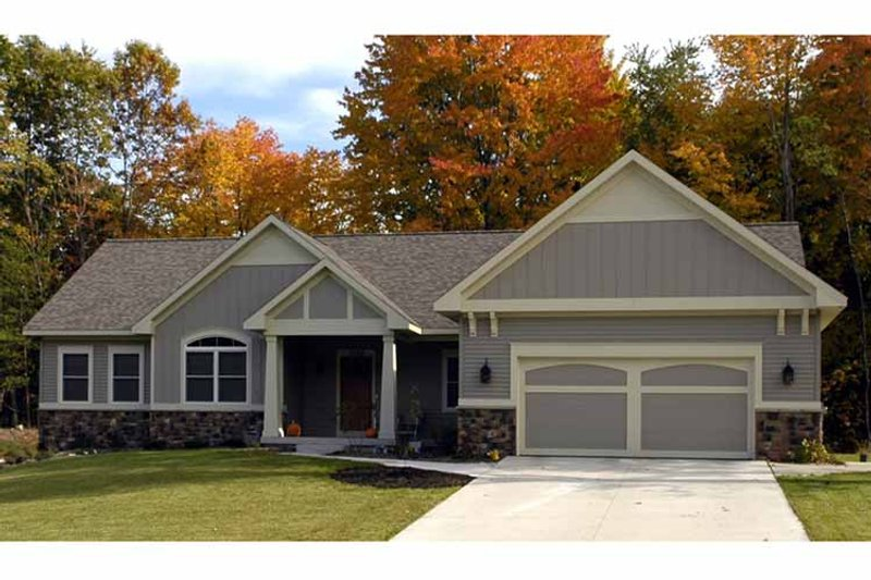 House Plan Design - Craftsman Exterior - Front Elevation Plan #928-146