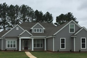 Traditional Exterior - Front Elevation Plan #63-402