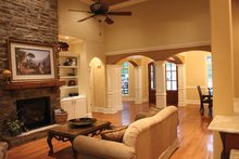 Country Interior - Family Room Plan #927-150