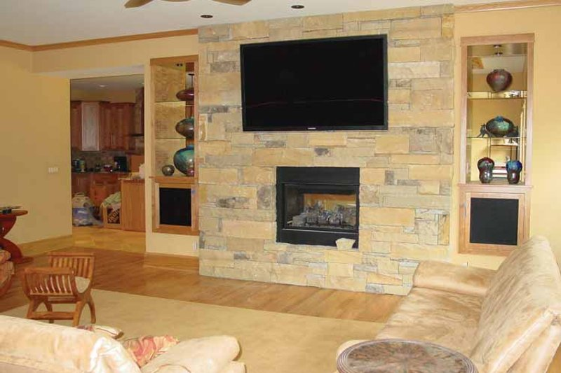 Craftsman Interior - Family Room Plan #939-12 - Houseplans.com