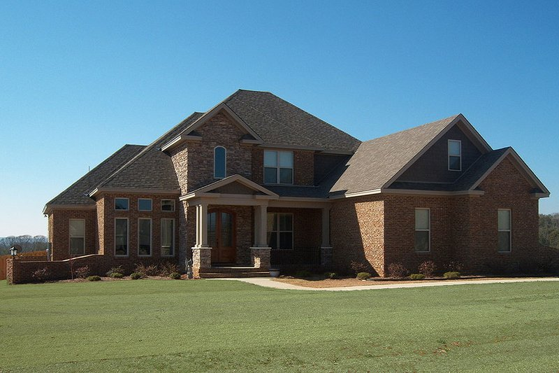 European Style House Plan - 4 Beds 3 Baths 3346 Sq/Ft Plan #63-347 Exterior - Front Elevation