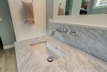 Craftsman Interior - Master Bathroom Plan #70-1470