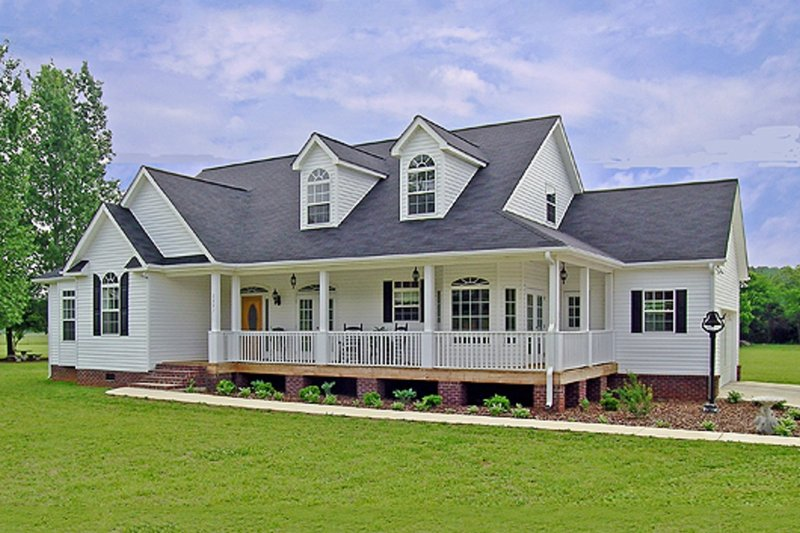 Farmhouse Style House Plan - 3 Beds 2 Baths 1793 Sq/Ft Plan #456-6 Exterior - Front Elevation