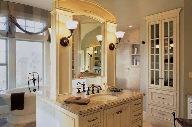 Craftsman Interior - Bathroom Plan #48-807 - Houseplans.com