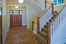 Craftsman Interior - Entry Plan #928-71