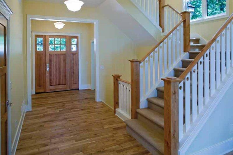Craftsman Interior - Entry Plan #928-71 - Houseplans.com