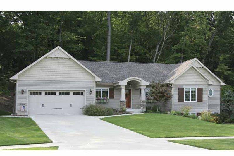 Craftsman Exterior - Front Elevation Plan #928-134 - Houseplans.com