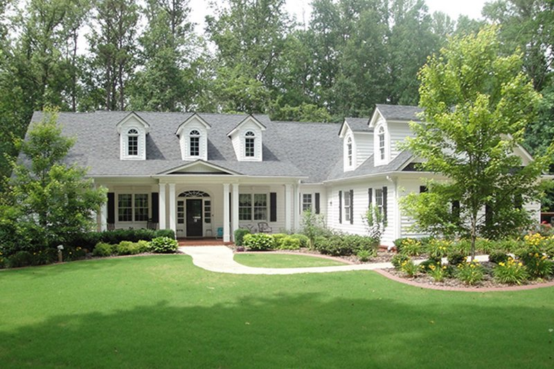 Colonial Exterior - Front Elevation Plan #927-815 - Houseplans.com