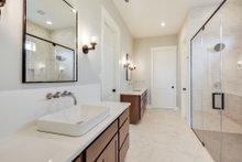 Craftsman Interior - Master Bathroom Plan #430-179