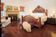 Colonial Interior - Bedroom Plan #929-571