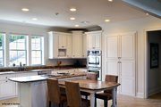 Craftsman Style House Plan - 4 Beds 4 Baths 2672 Sq/Ft Plan #929-837 Interior - Kitchen