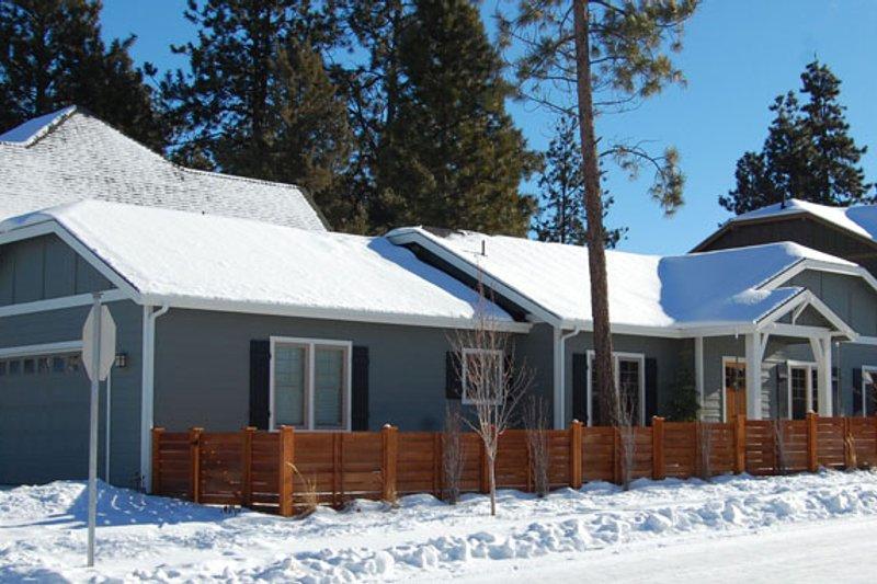 Architectural House Design - Craftsman Exterior - Front Elevation Plan #895-79