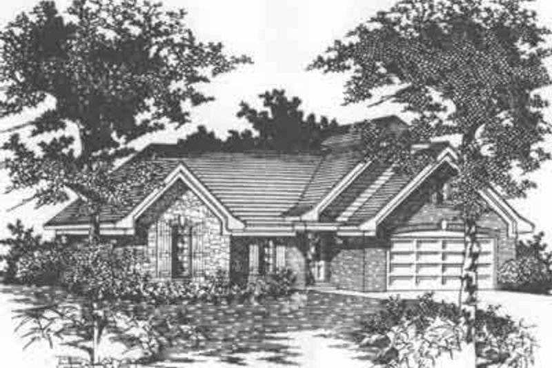 Traditional Style House Plan - 3 Beds 2 Baths 1494 Sq/Ft Plan #329-153 Exterior - Front Elevation