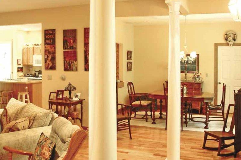 Country Interior - Family Room Plan #314-220 - Houseplans.com