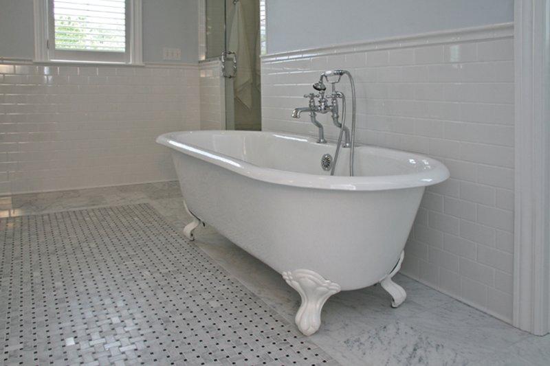 Tudor Interior - Master Bathroom Plan #928-257 - Houseplans.com