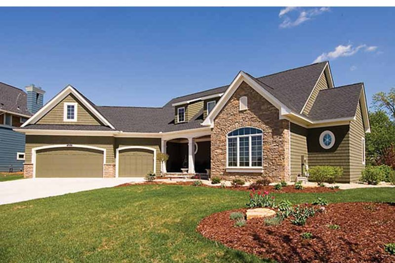 European Exterior - Front Elevation Plan #51-1080 - Houseplans.com