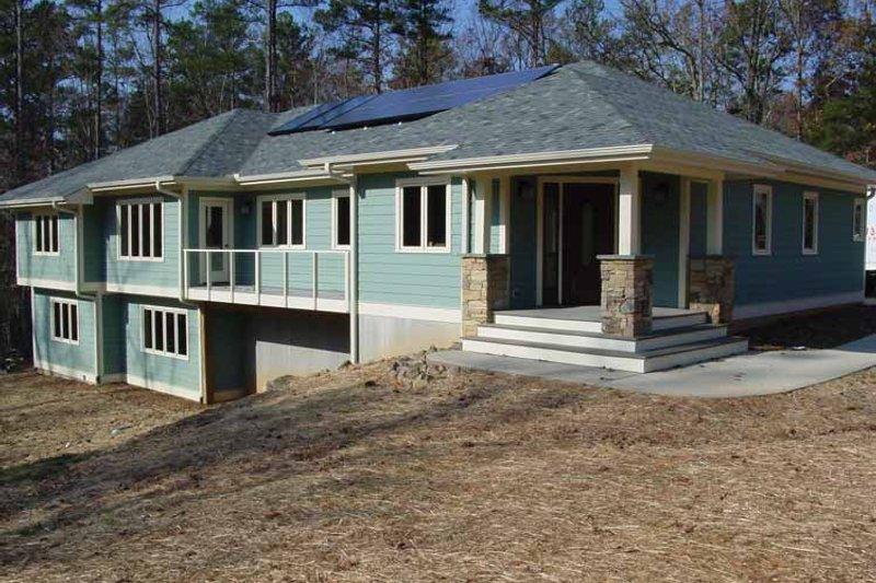 House Plan Design - Ranch Exterior - Front Elevation Plan #939-6