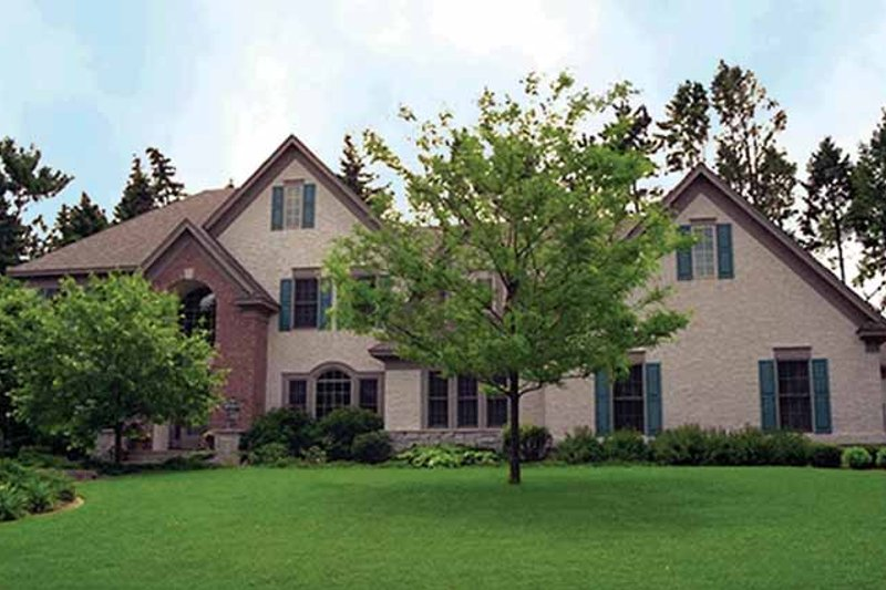 Dream House Plan - Traditional Exterior - Front Elevation Plan #51-778