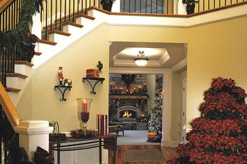 Craftsman Interior - Other Plan #132-351 - Houseplans.com