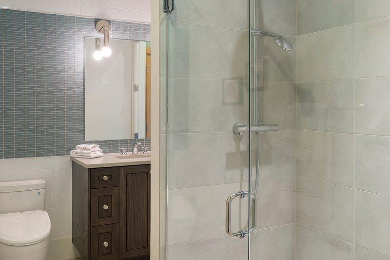 Contemporary Interior - Bathroom Plan #48-651 - Houseplans.com