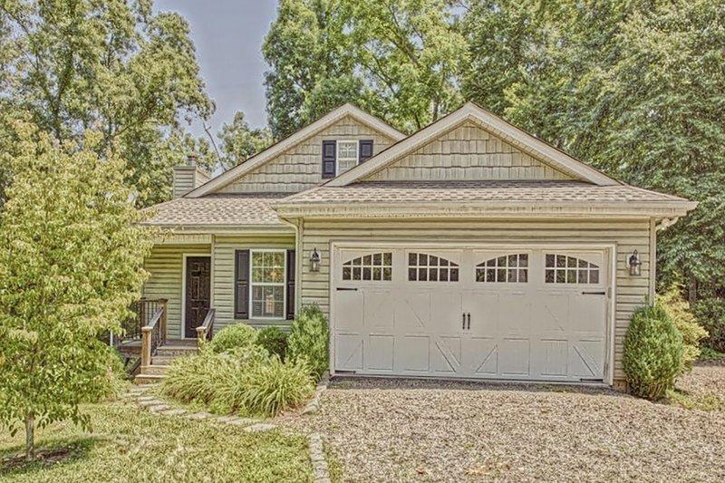 Cottage Exterior - Front Elevation Plan #437-117