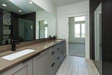 Ranch Interior - Master Bathroom Plan #70-1477