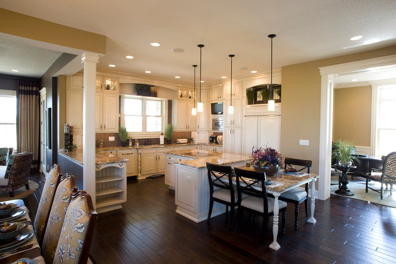 Photo- 3600 square foot colonial home