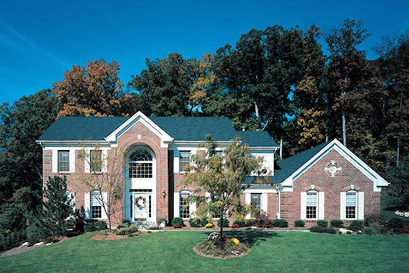 Colonial Style House Plan - 4 Beds 3.5 Baths 3144 Sq/Ft Plan #57-218 Exterior - Front Elevation