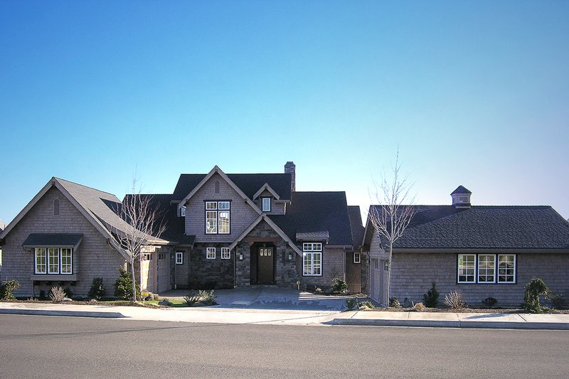 European Style House Plan - 5 Beds 4 Baths 4942 Sq/Ft Plan #1070-6 Exterior - Front Elevation