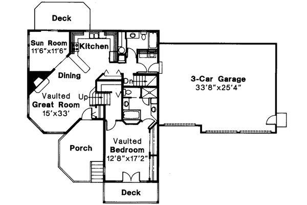 Contemporary Floor Plan - Main Floor Plan Plan #124-261