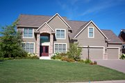 Traditional Style House Plan - 4 Beds 2.5 Baths 2591 Sq/Ft Plan #51-502 Exterior - Front Elevation