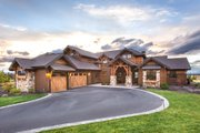 Craftsman Style House Plan - 3 Beds 4.5 Baths 3959 Sq/Ft Plan #892-16 Exterior - Front Elevation