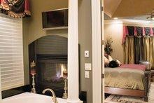 Traditional Interior - Master Bathroom Plan #927-11