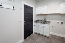 Contemporary Interior - Laundry Plan #1070-30